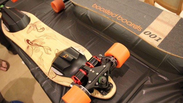 Recto-verso du Boosted Board